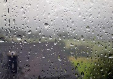 Cand afara ploua