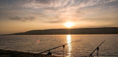 Caldura amintirilor cu povestiri pescaresti pe timp de iarna